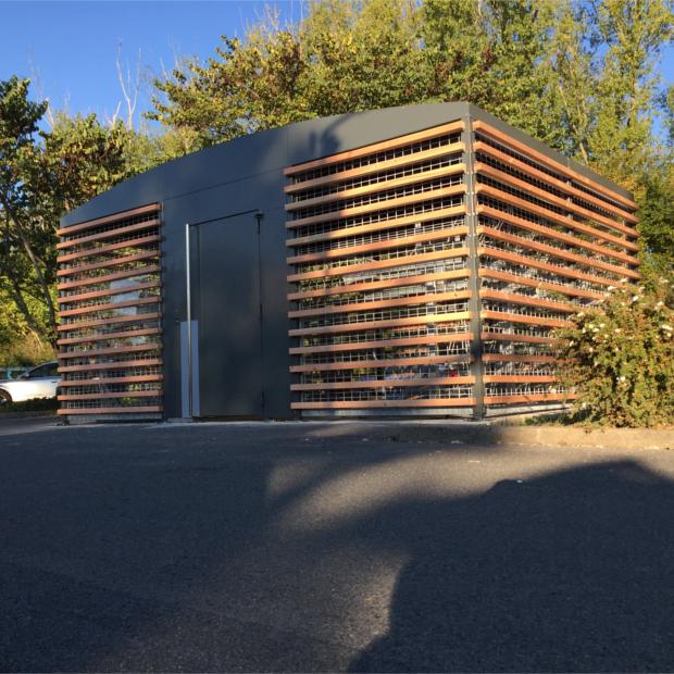 gare d 39 amboise 2 abris v los s curis s altao spacio altinnova. Black Bedroom Furniture Sets. Home Design Ideas