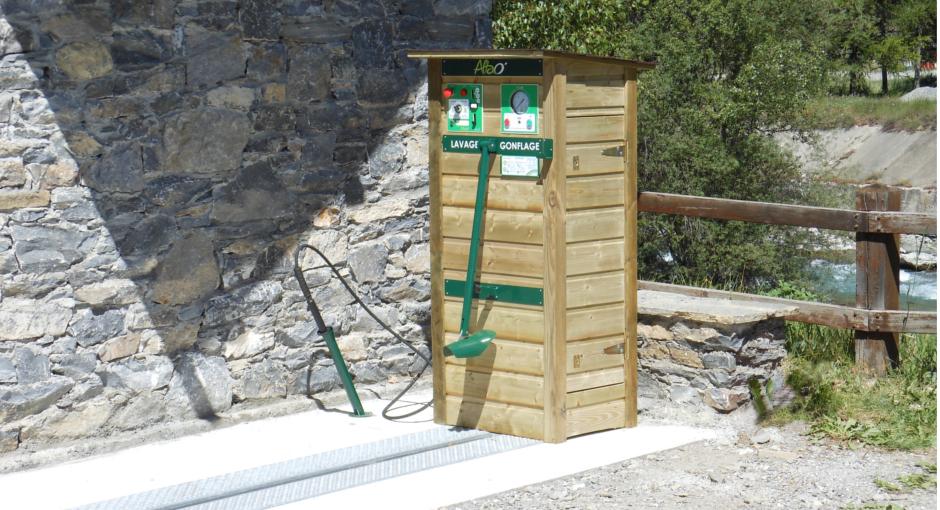 Station lavage gonflage pour vélo Altao Modulo