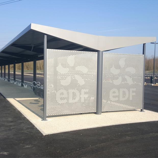 Un parking v los motos chez edf saint alban altinnova for Garage moto ouvert le dimanche