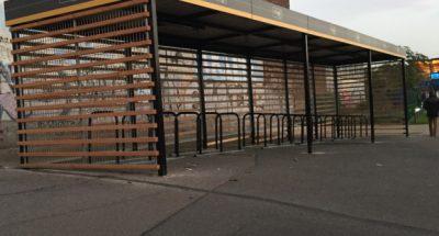 abri vélo et arceaux de parking