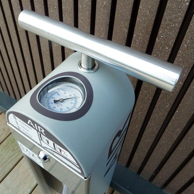 manomètre de pompe à vélos publique