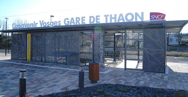 abri sécurisé sur mesure pour vélos et voyageurs en gare de thaon