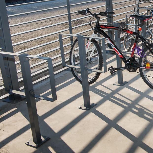 Arceaux de stationnement pour vélos Lyre 2 en situation