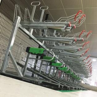 Vélostation de Saint Quentin en Yvelines équipées de racks de stationnement et borne de gonflage