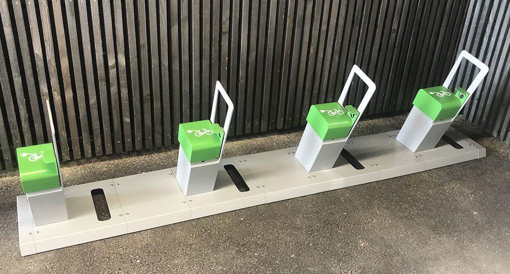 4 bornes de recharge pour vélos électrique installées
