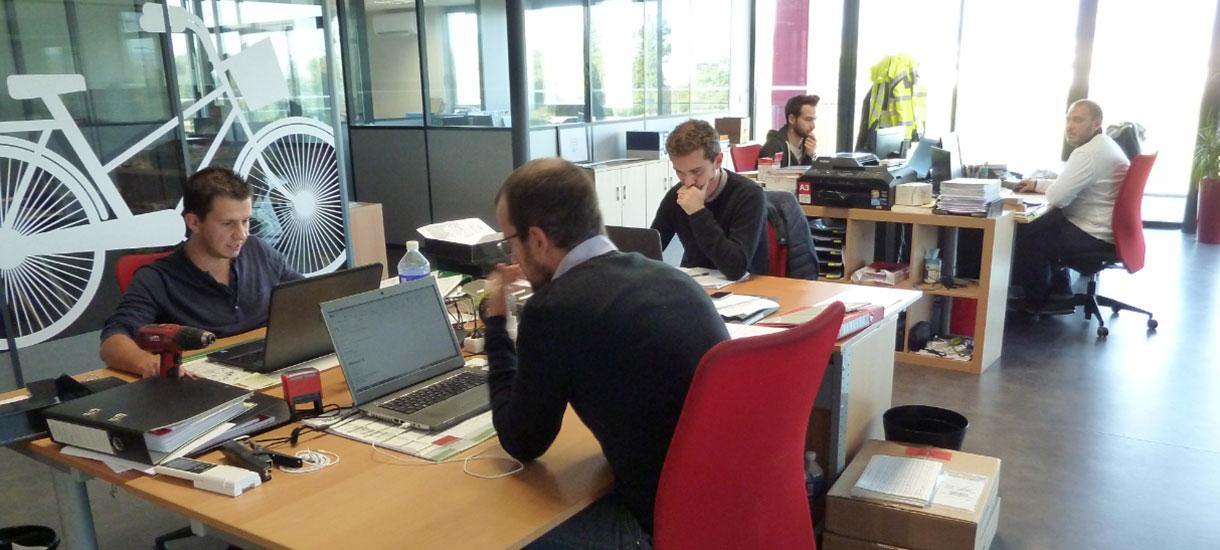 photo équipe bureau d'études entreprise Altinnova