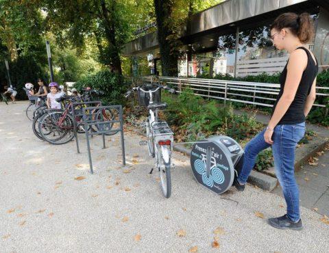 une des stations de gonflage vélo ALTAO Pump de Besançon