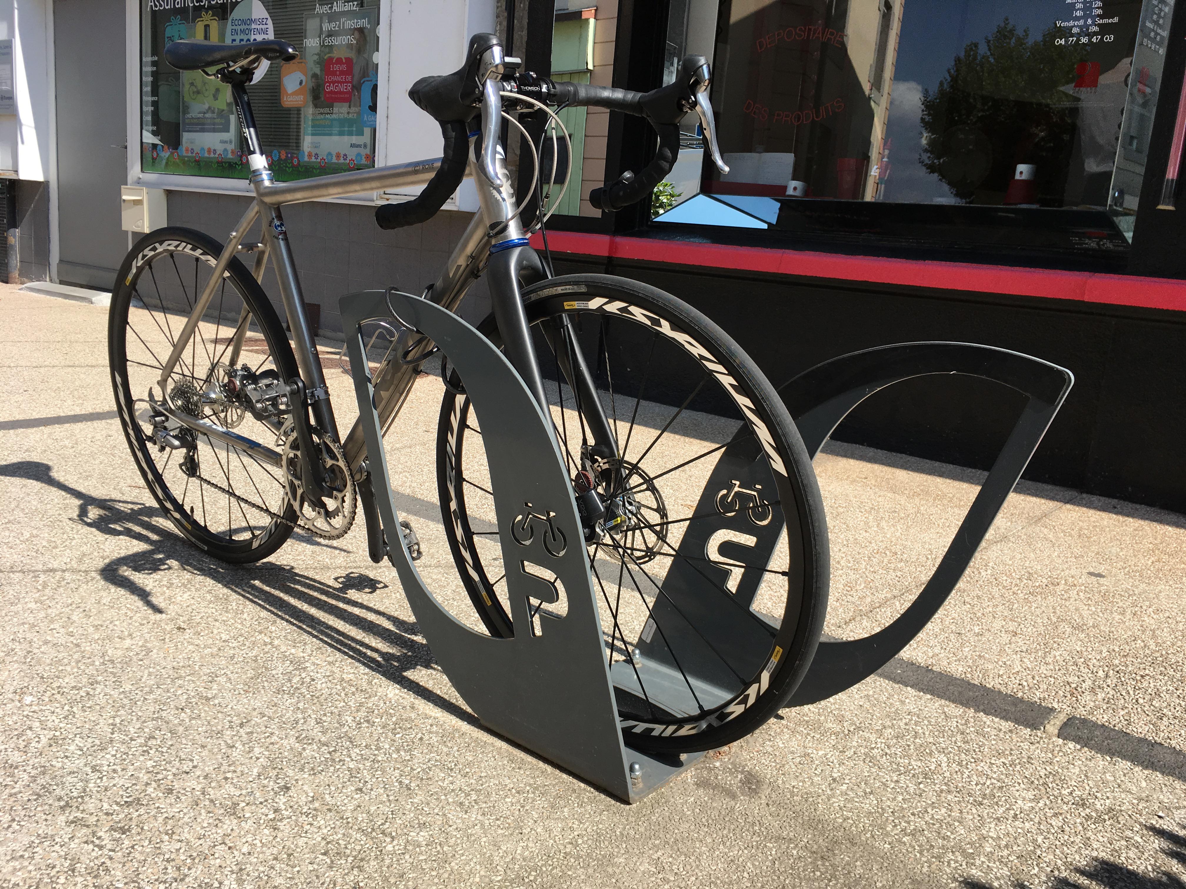 stationnement vélo Saint Just Saint Rambert