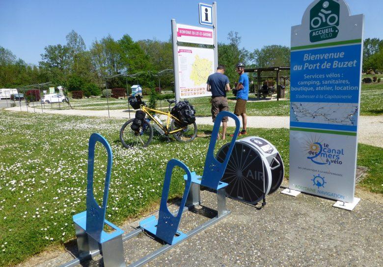 Aire cycliste du Port de Buzet