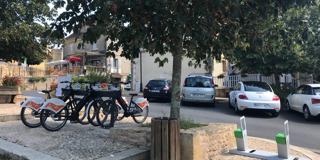 bornes de recharge pour vélos électriques et station VAE en Dordogne