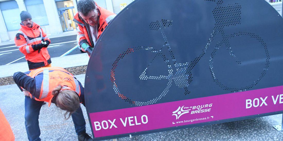 Nouveaux box vélo sécurisés en cours d'installation