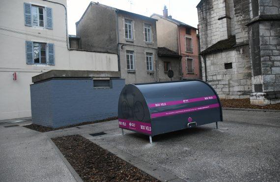 Un des nouveaux box vélo sécurisés burgiens