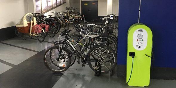 une station de gonflage pour autos motos et vélos à Caen