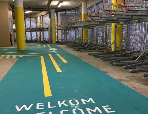 rack de l'espace vélo équipé et sécurisé de la gare Lille Flandres