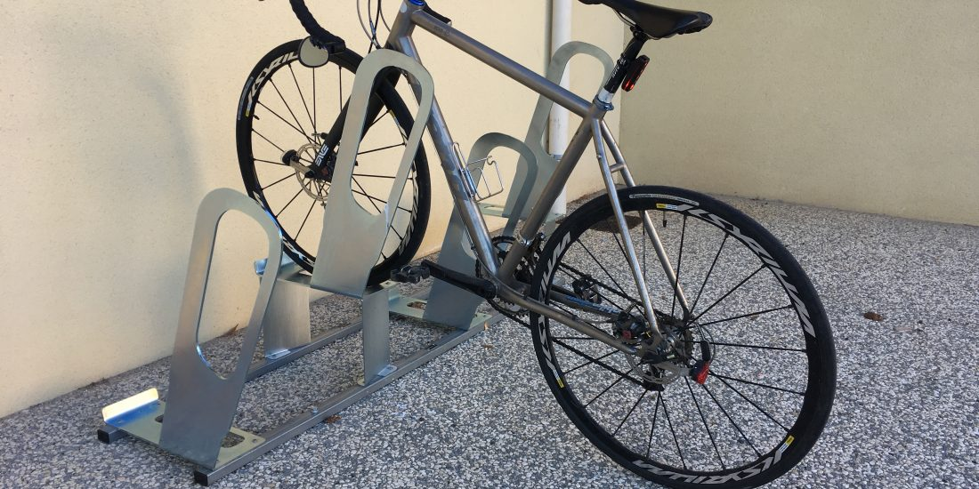 parkings à vélos urbains ALTAO Parco avec vélo