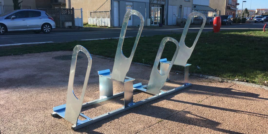 Nouveaux parkings à vélos urbains à Bonson