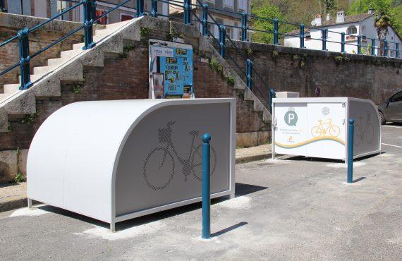les box à vélos pour cyclotouristes avec graphisme personnalisé