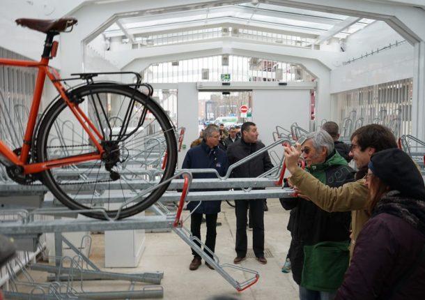 rails coulissants du parc à vélos sécurisé de Dunkerque