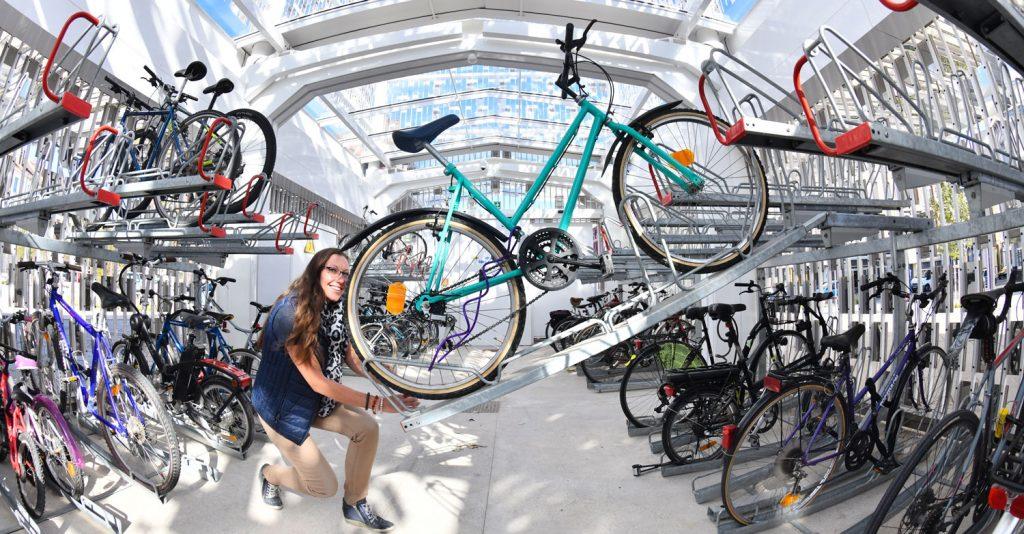 utilisation de rack Optima V10 Altinnova du parc à vélos sécurisé de la gare de Dunkerque