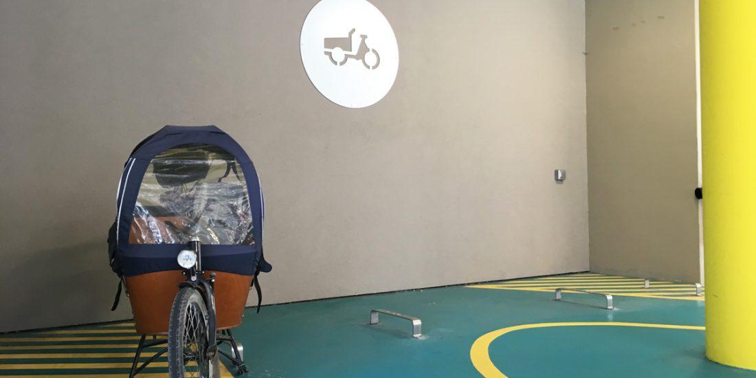 arceaux vélo cargo de l'espace vélo équipé et sécurisé de la Vélostation Lille Flandres