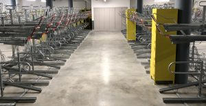 racks de stationnement et casiers de la vélostation du pôle d'échanges multimodal de Chambéry
