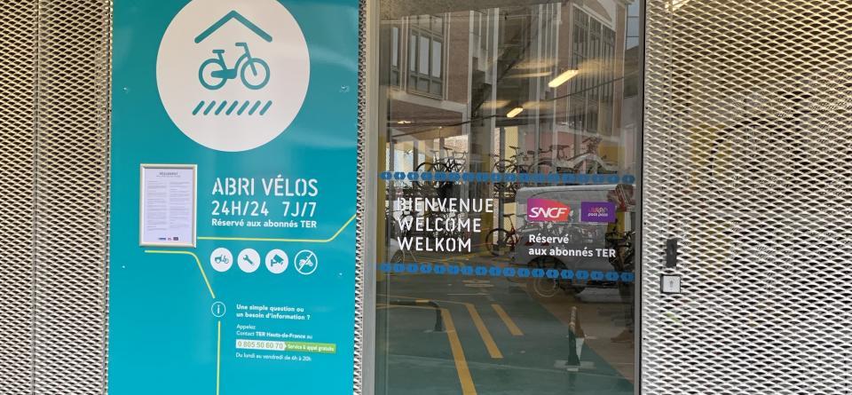 entrée de la vélostation de la gare Lille Flandre