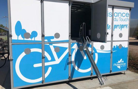 rail coulissant sorti sur la nouvelle consigne à vélos ALTAO Duplex