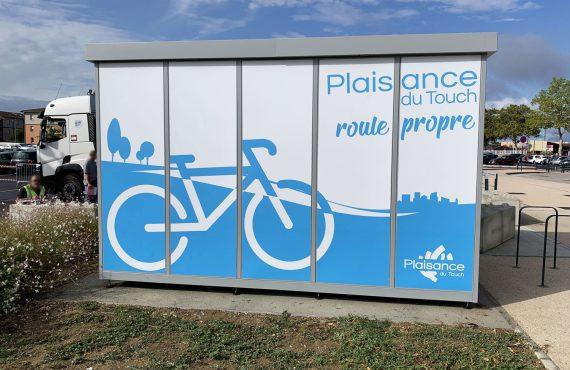 installation de la consigne à vélos ALTAO Duplex de Plaisance du Touch