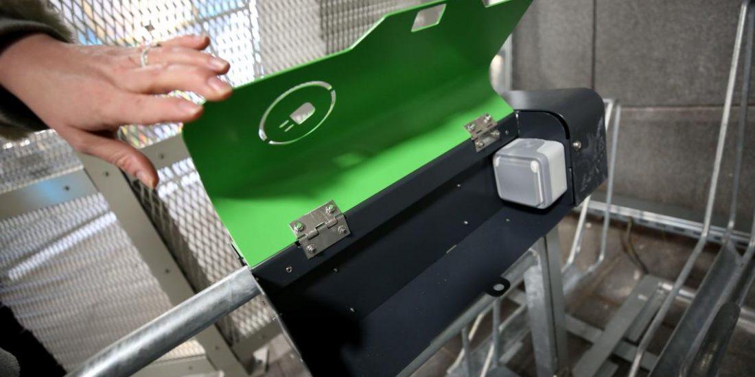 borne de recharge P VAE pour vélos électriques