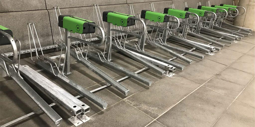 Racks Optima V10 avec bornes de recharge vélo électrique P VAE