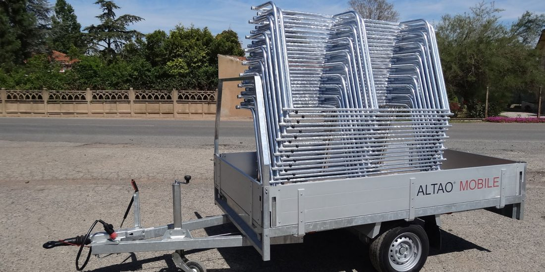 racks ALTAO Mobile empilés sur remorque