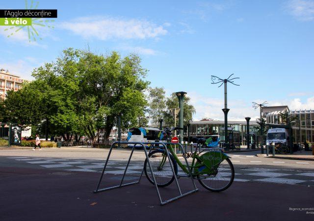 stationnement pour aménagement cyclbales temporaire à Annecy