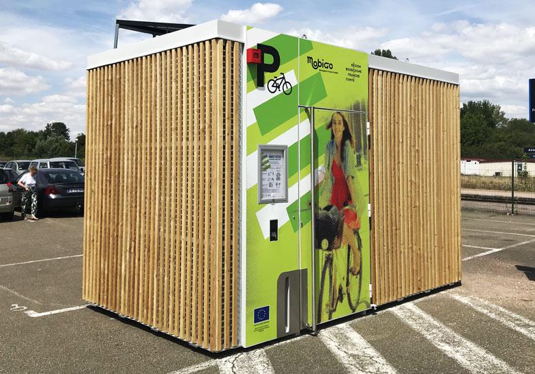 abris vélos solaires et innovants installés en gare