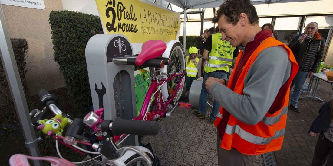 station de réparation vélo ALTAO Fix en libre-service à Tournefeuille