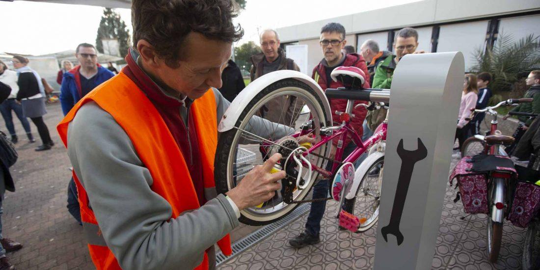 borne de services vélo