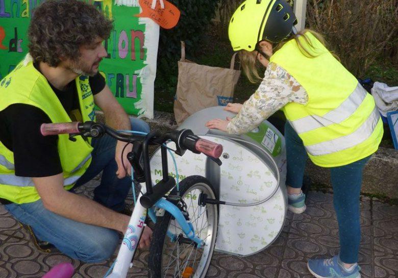 station de gonflage ALTAO Pump et équipements vélos pour enfants de Tournefeuille