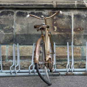 vélo en mauvais état à réparer