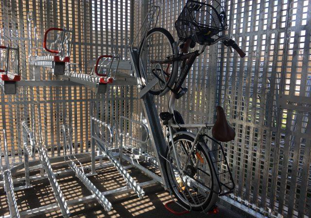 solution novatrice pour stationner son vélo dans un pôle d'échanges multimodal