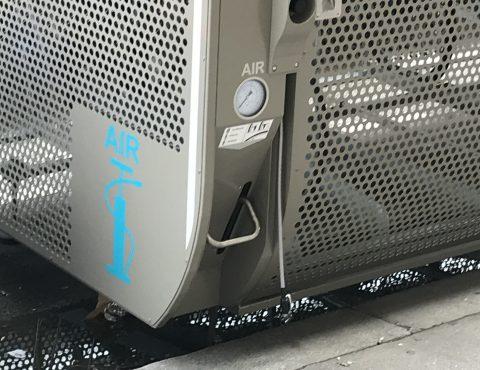 station de gonflage de vélo intégré au box