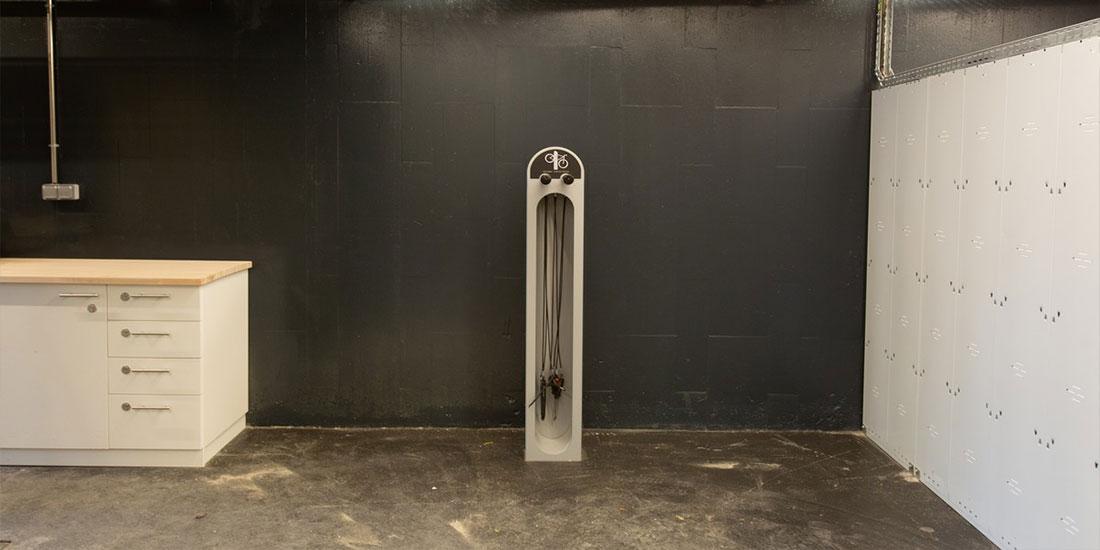 station de réparation vélo ALTAO Fix dans la Velostation de la gare Montparnasse