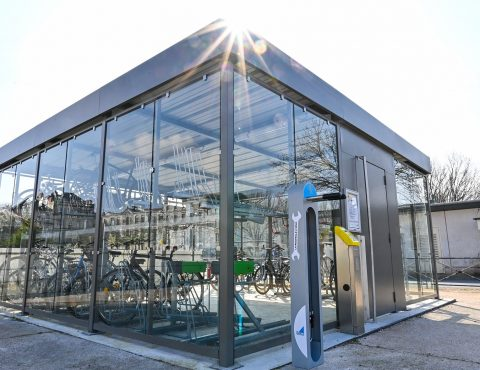 un des abris vélos fermés de la Rochelle