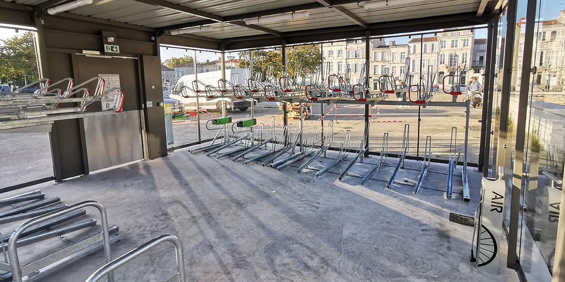 intérieur du nouveau parking vélo de la Rochelle