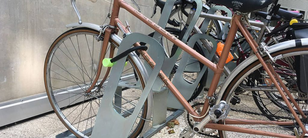 stationnements vélos sécurisés sur des racks ALTAO Parco d'Altinnova